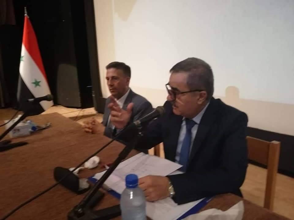 حضور محاضرة للدكتور معن صلاح الدين علي