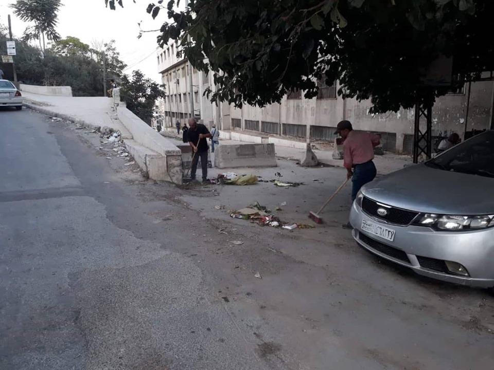 مديرية النظافة تستكمل اعمالها في شوارع و أحياء المدينة