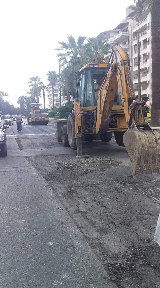 أعمال صيانة و تزفيت في شارع العروبة