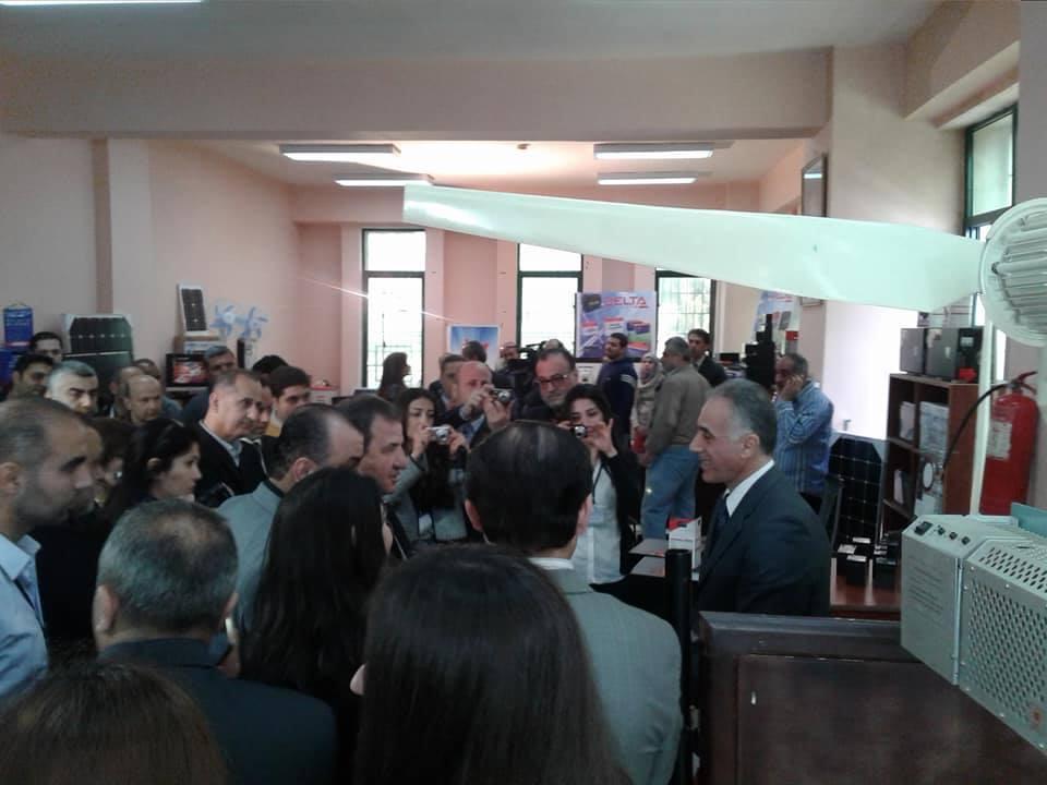 زيارة رئيس مجلس مدينة اللاذقية لمعرض الطاقات المتجددة في مديرية البيئة في اللاذقية
