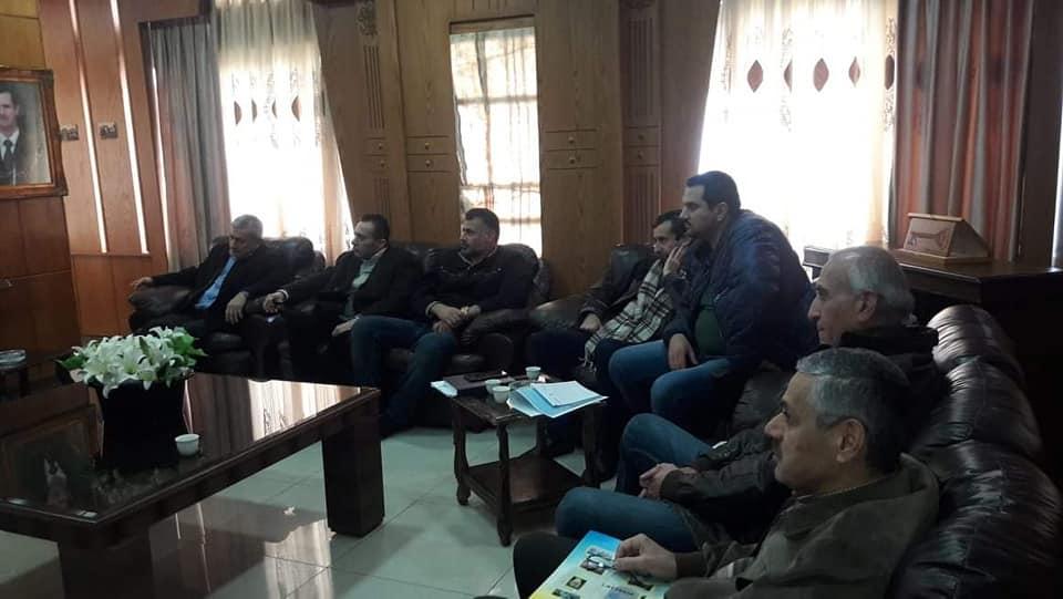 اجتماع لمعالجة مشكلة فيضان مياه الامطار في ضاحية الباسل السكنية