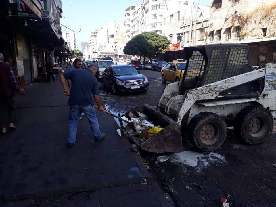 استمرار أعمال النظافة في شوارع و أحياء المدينة