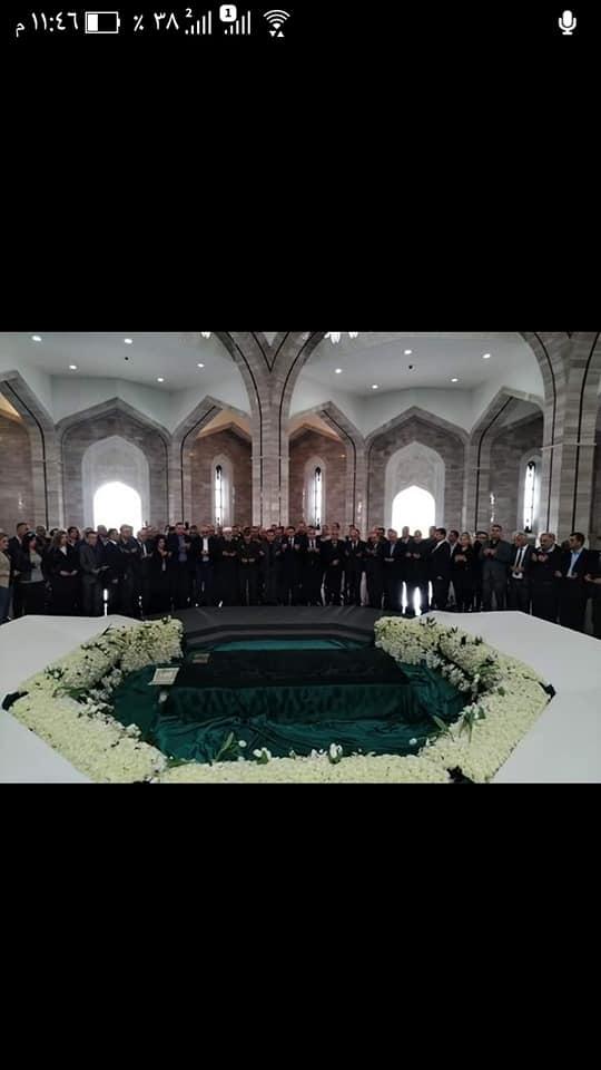 زيارة لضريح القائد الخالد و لمقبرة الشهداء بمناسبة عيد الجلاء