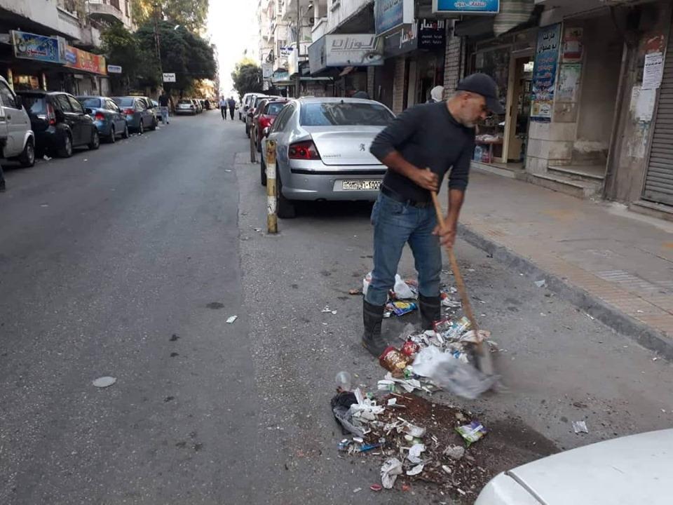 حملات النظافة تطال كافة أحياء المدينة وضواحيها